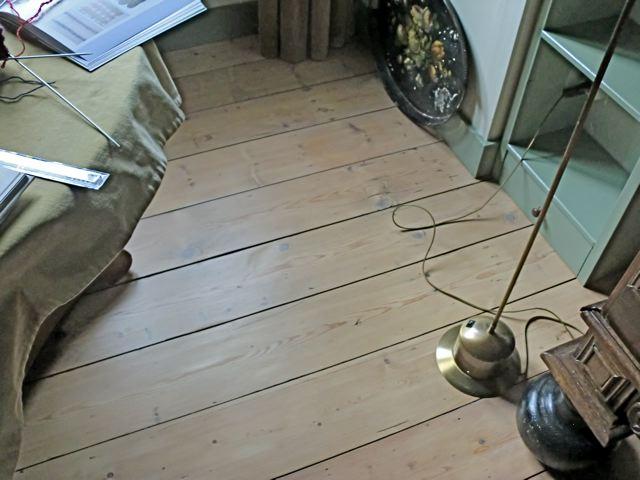 Kleurloze vloer verf TOPP - Gemakkelijke matte eco vloerlak - Moose ...