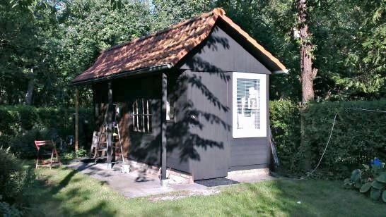 Welp Mat zwart tuinhuis in Gent - Moose Färg België Houtverf Zweedse verf SI-89