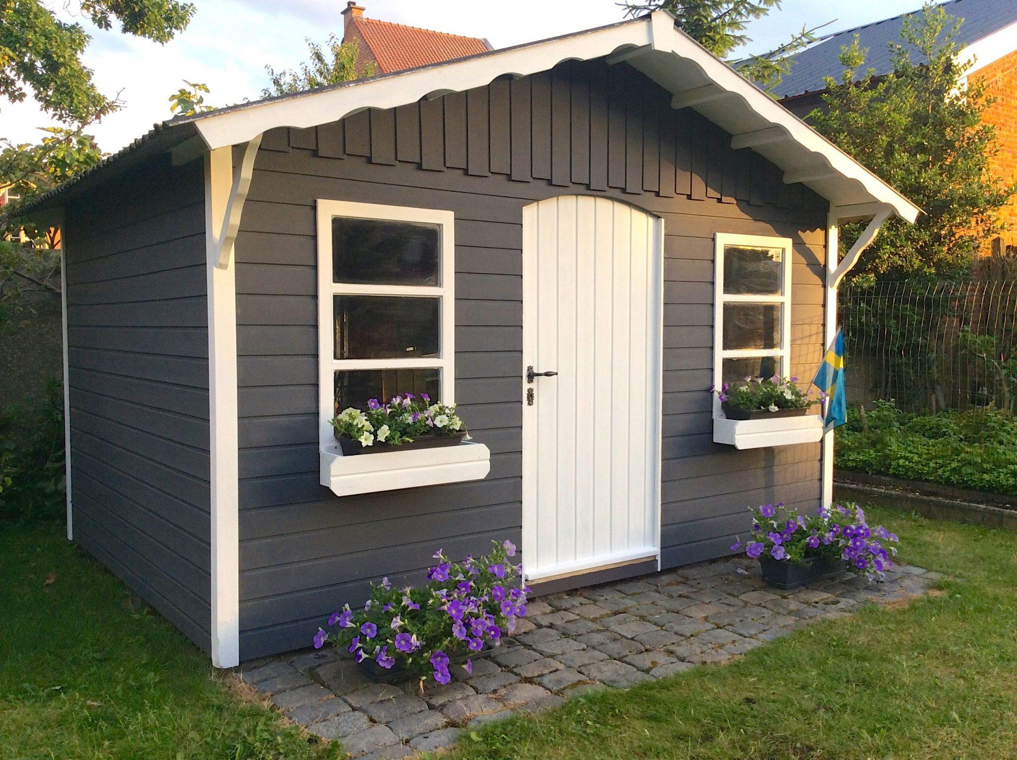 Tuinhuisje schilderen: stukje Zweden in mijn tuin